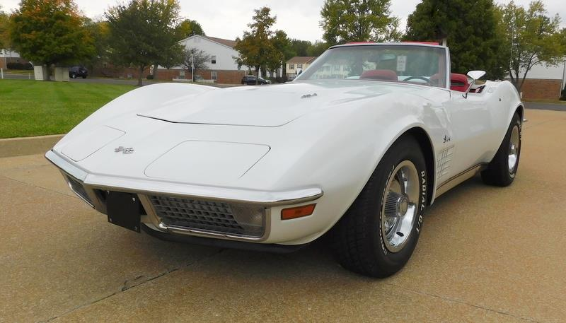 1971 White Chevrolet Corvette Convertible  | C3 Corvette Photo 1