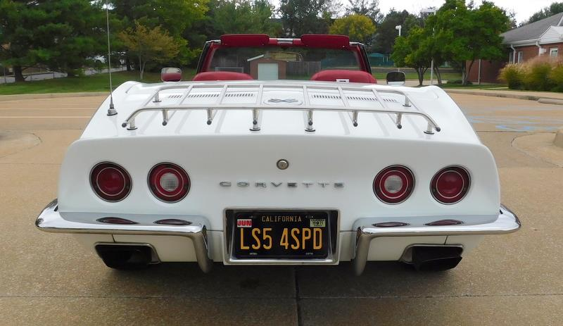 1971 White Chevrolet Corvette Convertible  | C3 Corvette Photo 7
