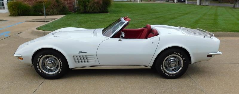 1971 White Chevrolet Corvette Convertible  | C3 Corvette Photo 8